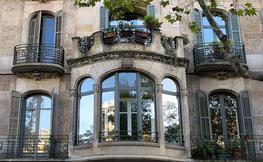Edifici modernista de Barcelona, façana