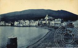 © Vista general de la platja de Cadaqués. L. Roisin. Posterior a 1920. Arxiu Històric del COAC - 50è aniversari